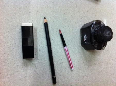 Черная тушь, карандаш и чернила